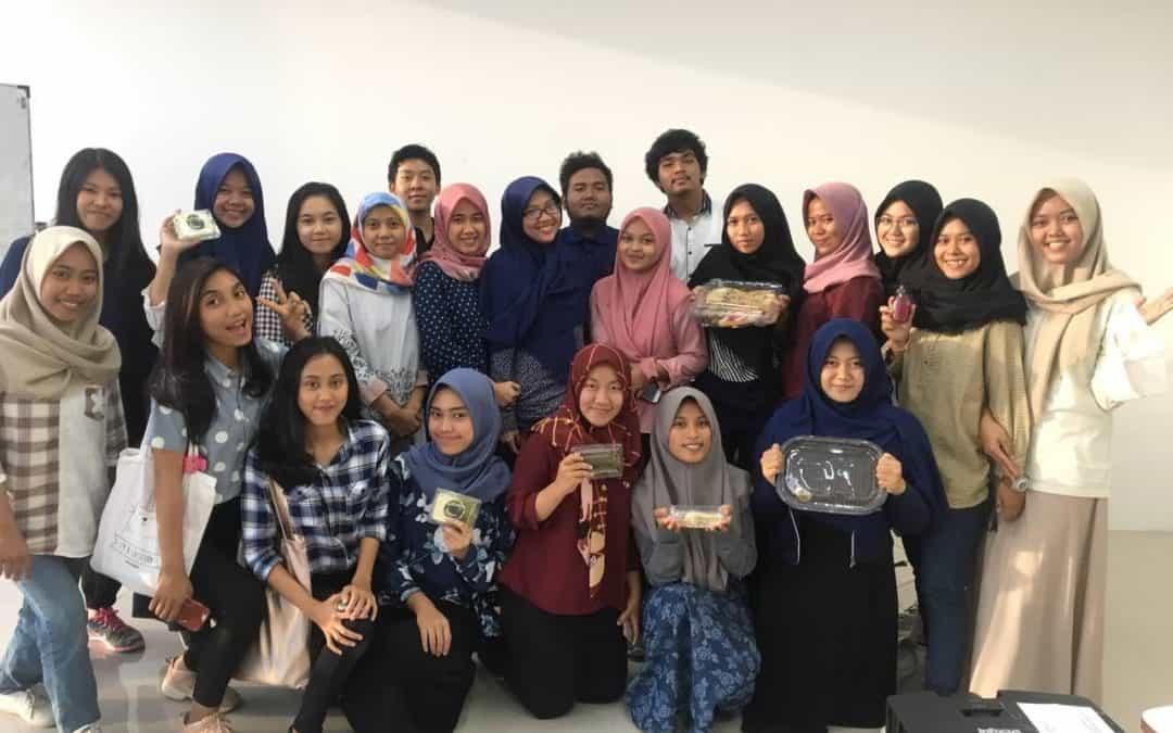 Mahasiswa Teknologi Pangan Presentasikan Tugas Besar Pengantar Teknologi Pangan